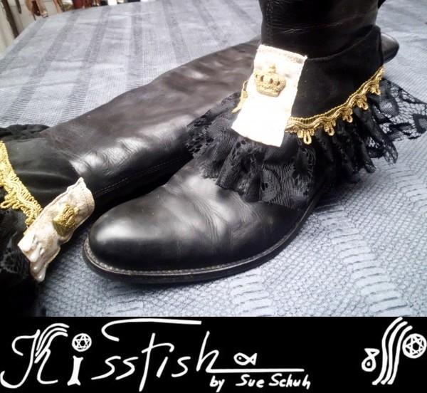 Stiefelschmuck Black Velvet Golden Crown
